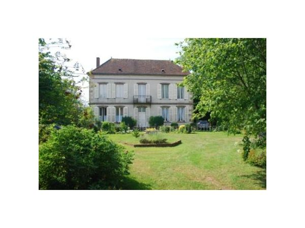 Leigniel immobilier agence immobili re sens 14 place for Agence immobiliere yonne